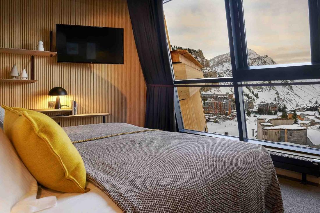 Chambre avec vue au nouvel hôtel Mil8, dont le nom fait référence à l'altitude de la station à 1,800 mètres © DR