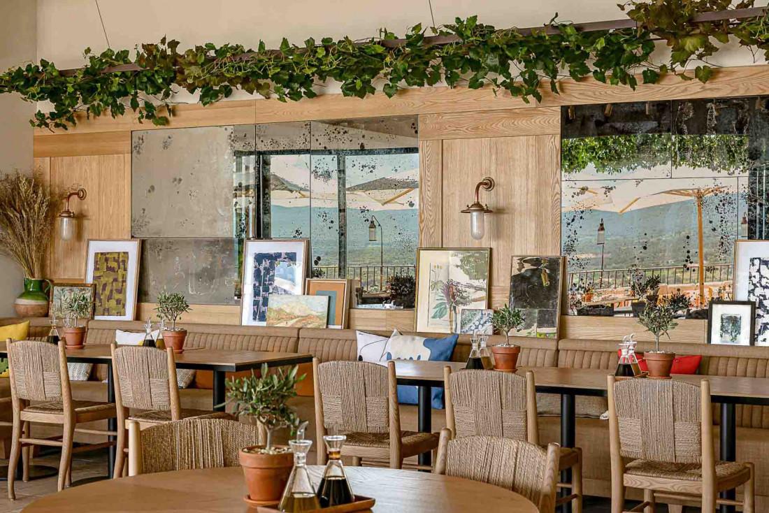 La Table du Ventoux et sa décoration bucolique © Hôtel Crillon le Brave