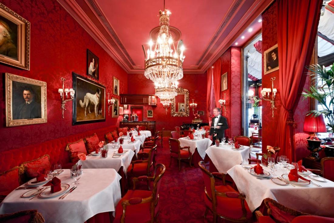 Le restaurant Rote Bar, l'un des lieux emblématiques de l'hôtel © Hotel Sacher