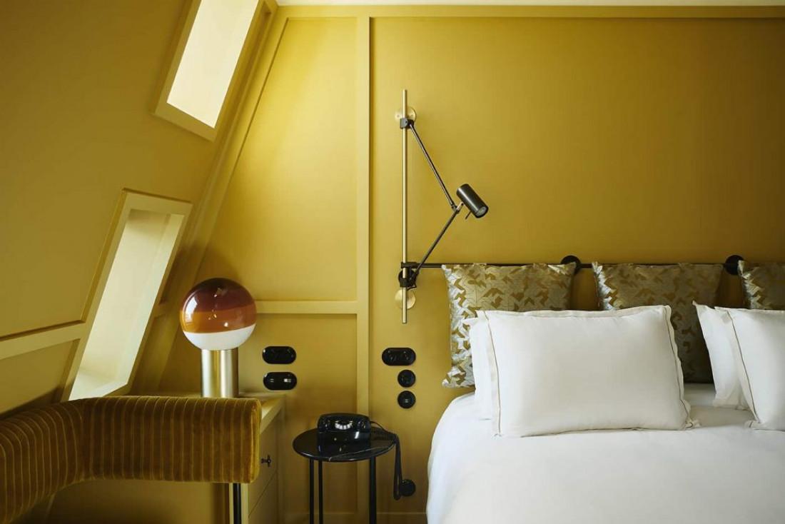 Monochromes dans les chambres du Ballu, ouvert en 2020 dans la Nouvelle Athènes © Ballu