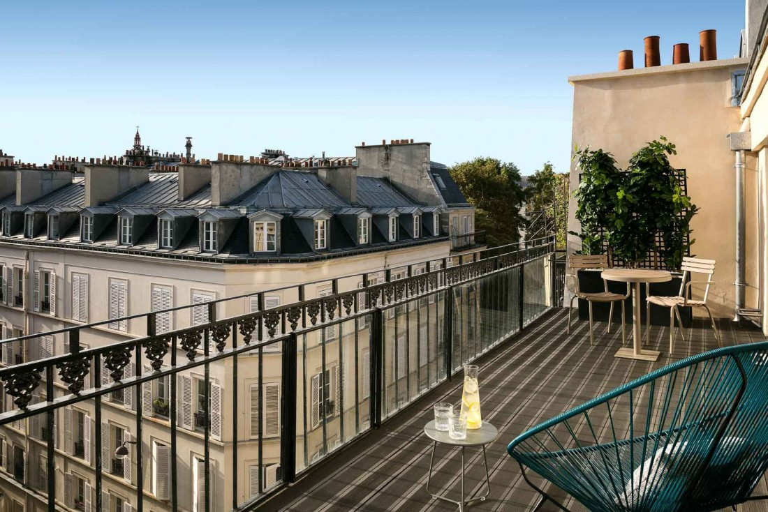 Une chambre avec terrasse à l'Hôtel Royal Madeleine © DR.