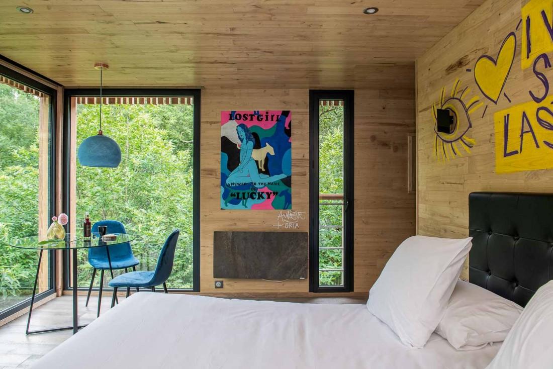 Décor arty dans les cabanes de luxe des Loire Valley Lodges © Anne-Emmanuelle Thion