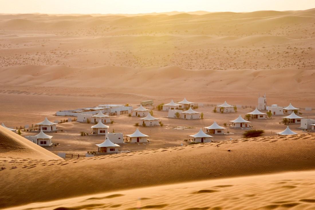 Le Desert Nights Camp au milieu des dunes de Wahiba Sands à Oman. © Emmanuel Laveran.