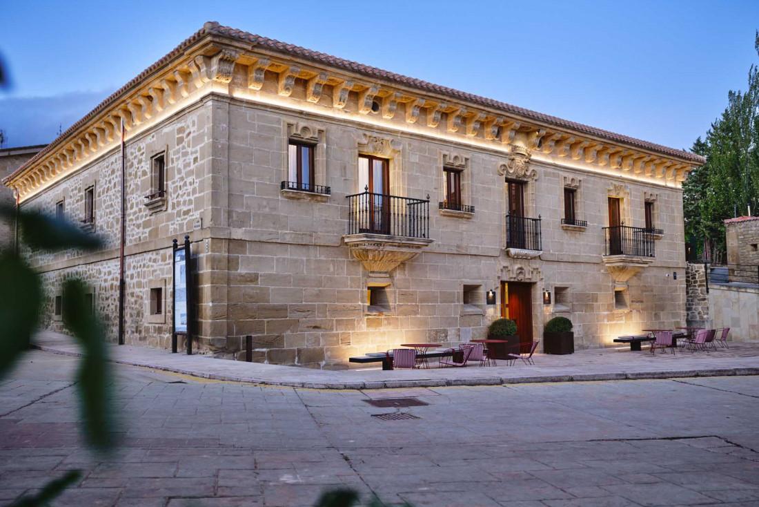 La façade du Palacio de Samaniego, dont la construction remonte au XVIIIe siècle © Weston Mills