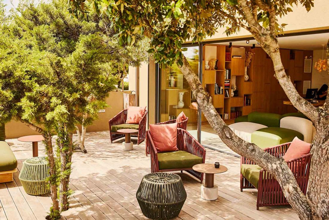 Perché sur les hauteurs de Bonifacio, l'hôtel Version Maquis Citadelle cultive un luxe discret © PMT Hotels