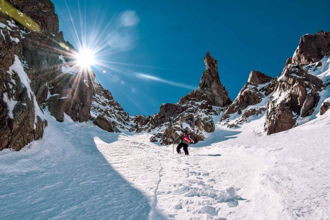 Même sans skier, on découvre les merveilles des sommets lors de randonnées à couper le souffle © Laura Peythieu