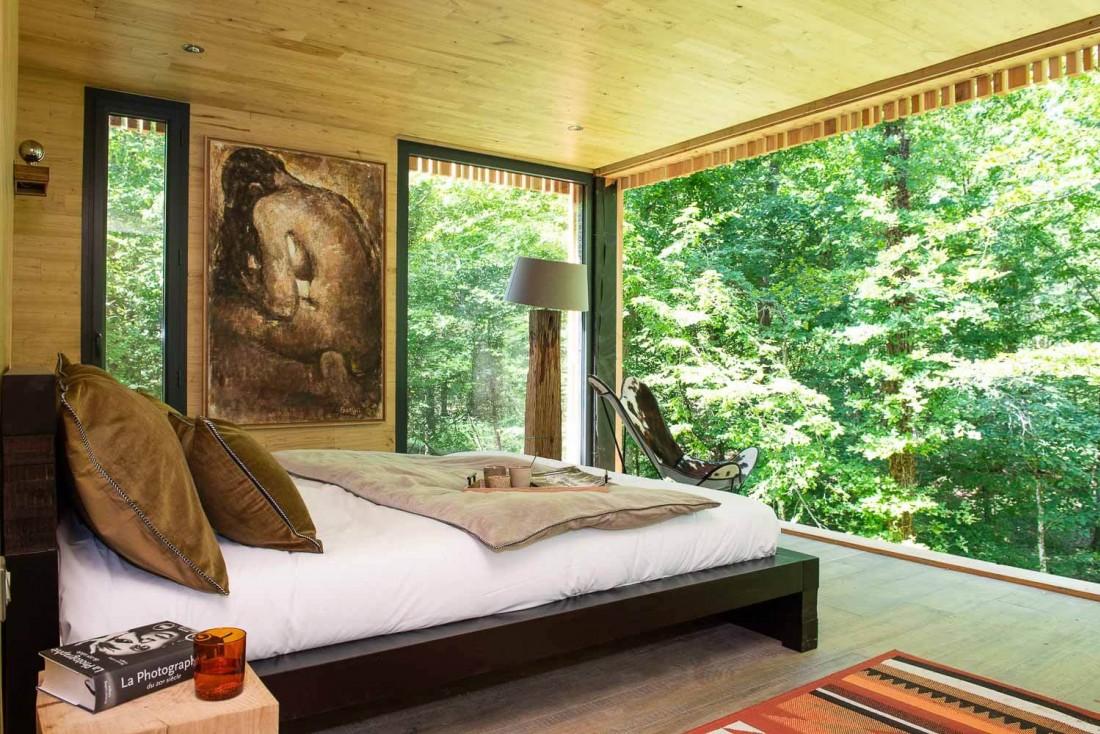 Dans le lit ou sur la terrasse, vis-à-vis constant avec la nature aux Loire Valley Lodges © Anne-Emmanuelle Thion