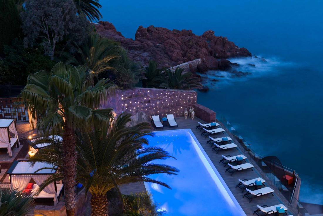 Le Tiara Miramar Beach Hotel & Spa, une pépite 5-étoiles les pieds dans l'eau, non loin de Cannes © DR