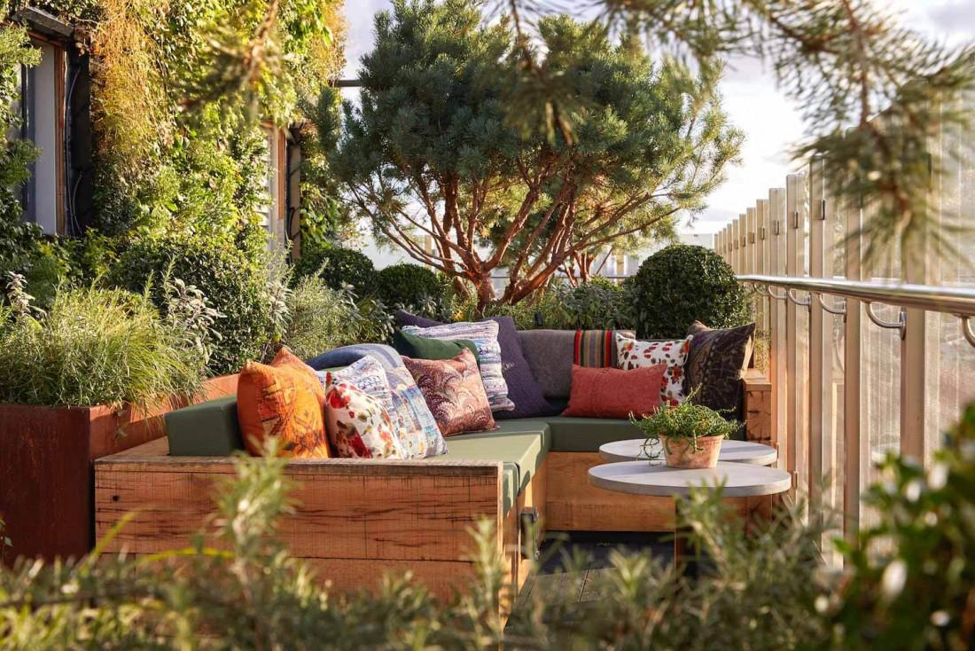 L'hôtel Treehouse et sa terrasse luxuriante © Simon Browns