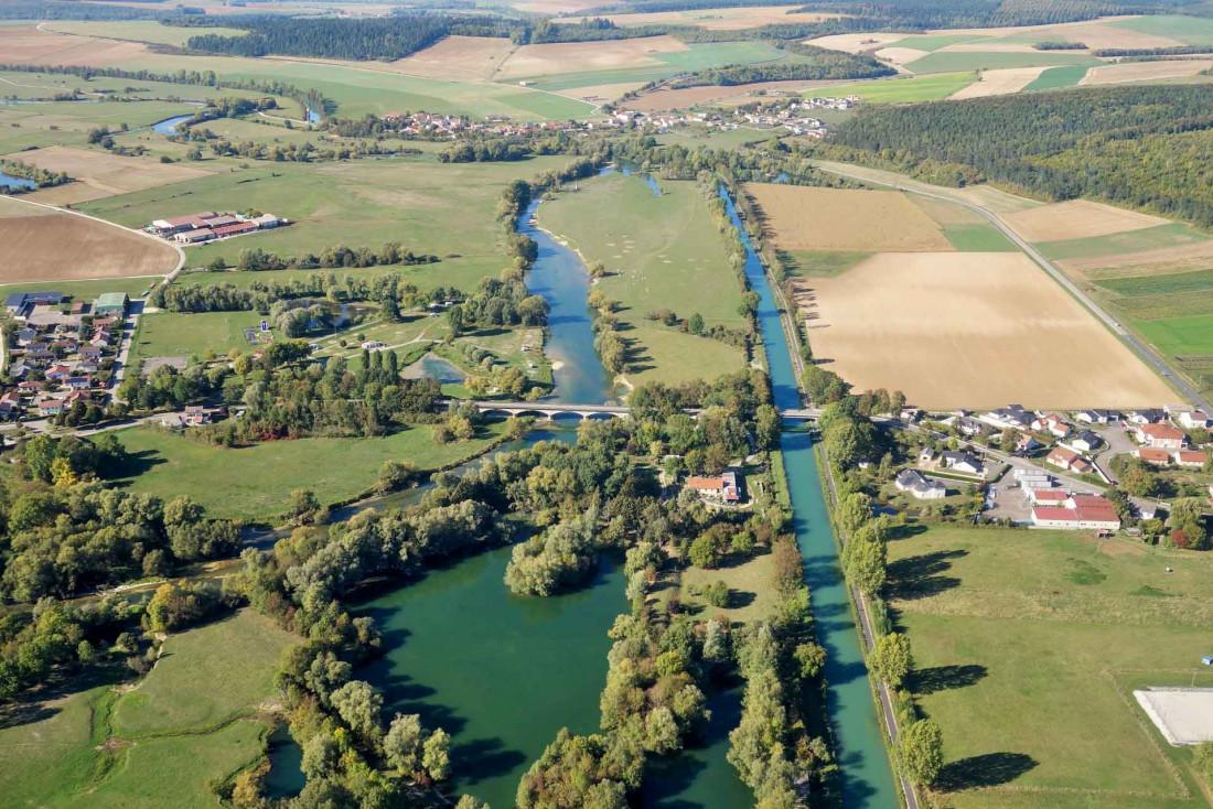 La Meuse est un fleuve, qui traverse le département pour rejoindre se jeter dans la mer du Nord à Rotterdam © Philippe Charles