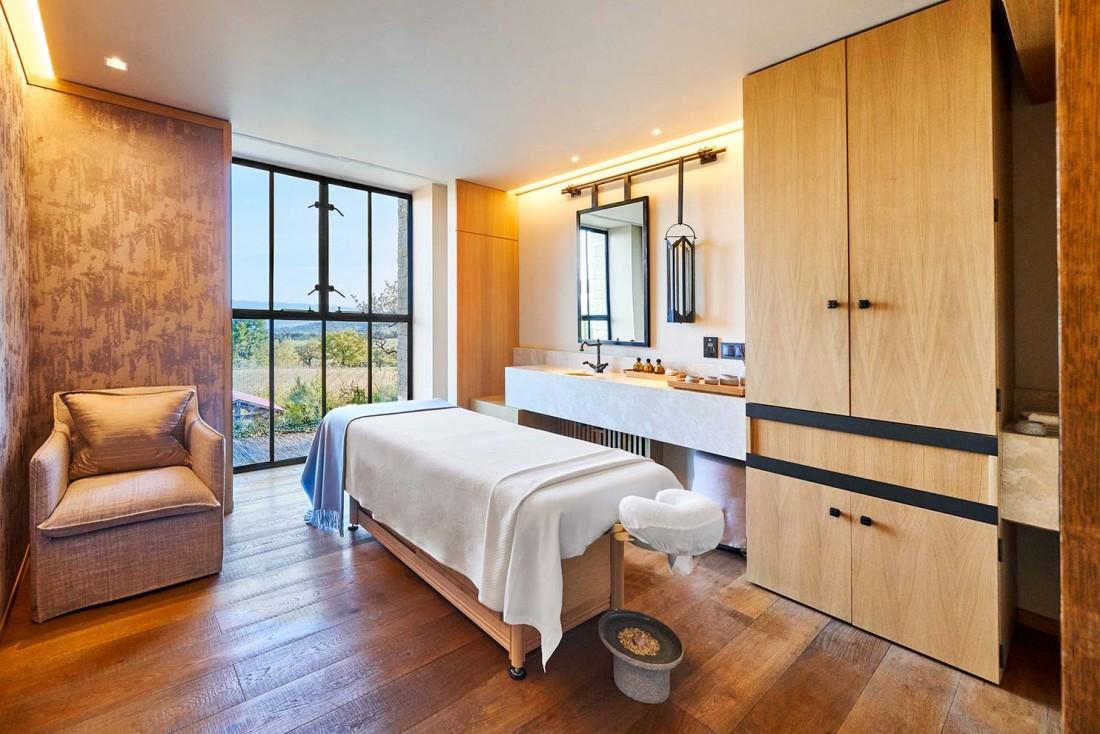 Cabine de soin avec vue à la Villa La Coste, l'un des plus beaux spas d'hôtels de la région PACA © DR
