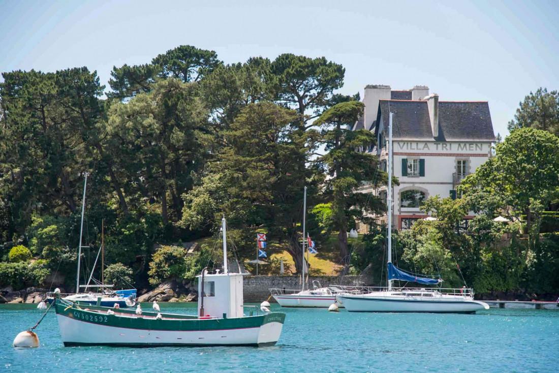 Le restaurant étoilé Les Trois Rochers prend ses quartiers dans la Villa Tri Men, sur les rives du Finistère Sud © les Collectionneurs