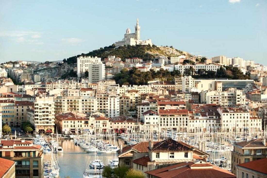 Le Vieux Port de Marseille et la basilique Notre-Dame-de-la-Garde depuis l'Intercontinental © IHG