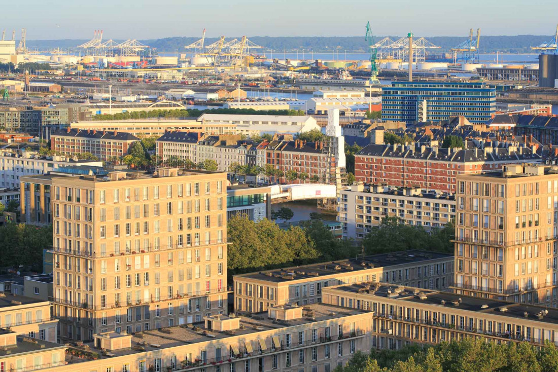 La ville depuis le 18ème étage de la tour de l'hôtel de ville © Ludovic Maisant - LHENT