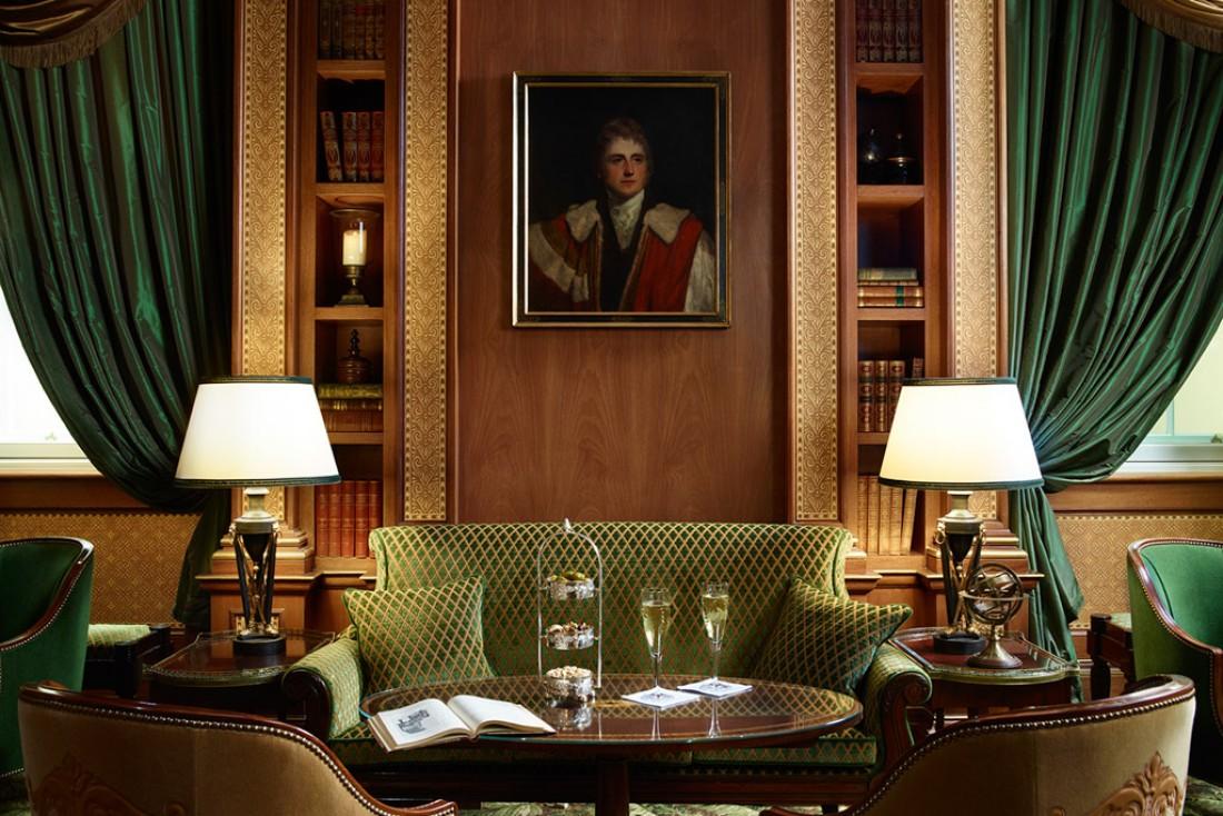 Le très raffiné Library Bar du The Lanesborough à Londres : plus de 200 références de cognac y sont proposées.