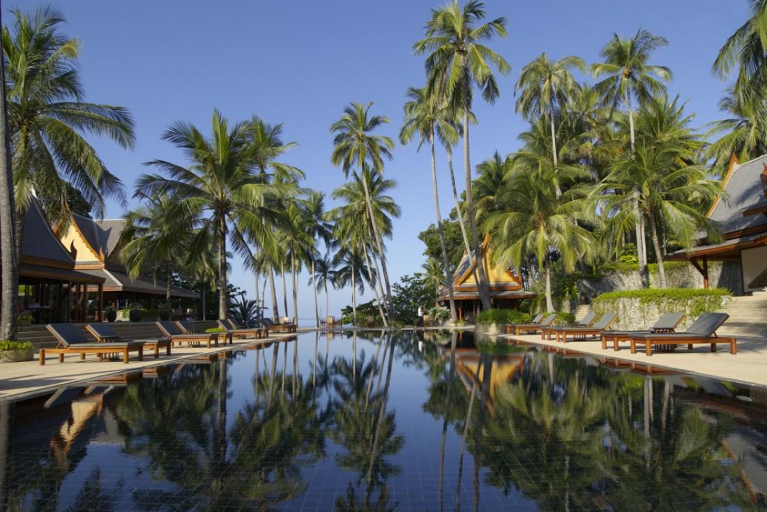 La splendide piscine, au cœur du domaine de l'Amanpuri | © Aman