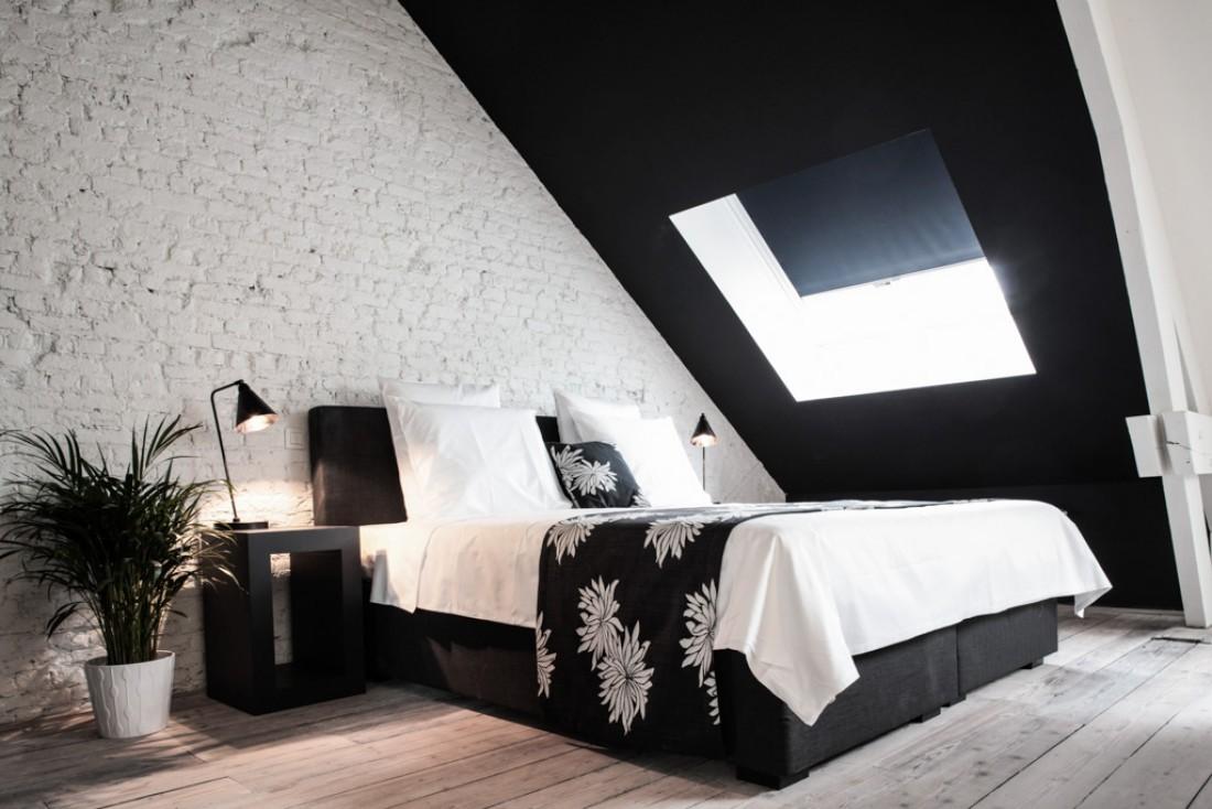 L'espace mansardé offre un supplément d'âme dans les deux suites du dernier étage © Maison Nationale
