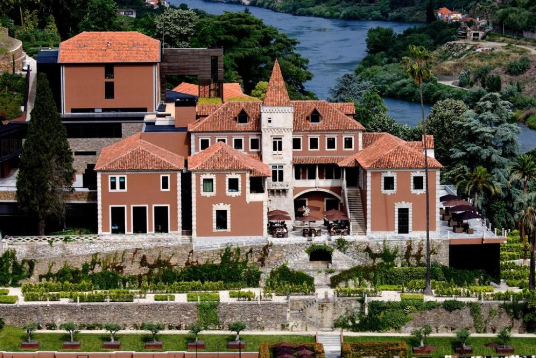 En attendant une ouverture face au Mont Blanc, le premier resort européen de Six Senses s'installe au cœur de la vallée du Douro, au Portugal.