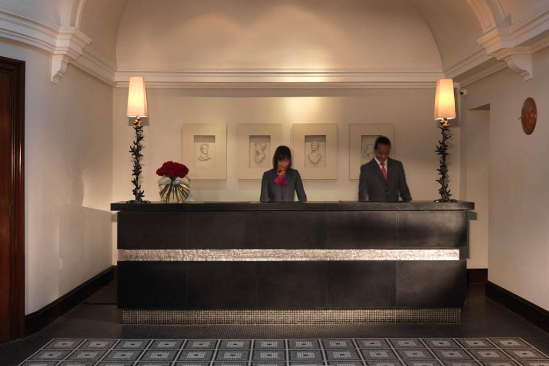 Réception de l'hôtel fidèle au style traditionnel | © Rocco Forte Hotels