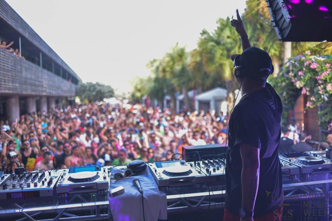 On ne fait pas que dormir au SLS South Beach à Miami, on fait aussi la fête, en particulier pendant la Winter Music Conference  © SLS Hotels