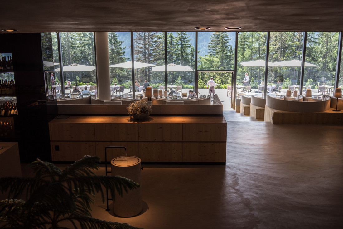 La salle du restaurant/petit-déjeuner par un matin ensoleillé © DB YONDER.fr