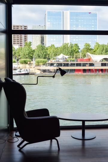 Vue sur la Seine depuis le lobby © Yonder.fr