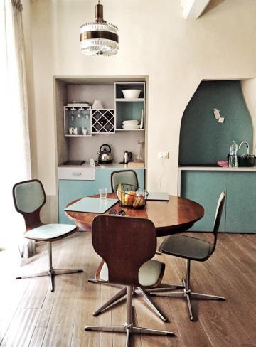 Intérieurs rétro-chics dans les appartements de CasaCau © Yonder.fr