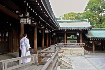 Jeune moine dans sanctuaire Meiji à Tokyo | © Aurélie Morin