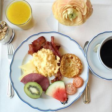 Petit-déjeuner au Grand Hôtel © Yonder.fr