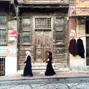 Scène de rue dans le quartier traditionnaliste de Fatih © Yonder.fr