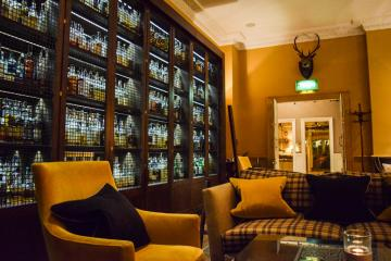 À l'intérieur de Scotch, le bar à whisky de l'hôtel © Yonder.fr
