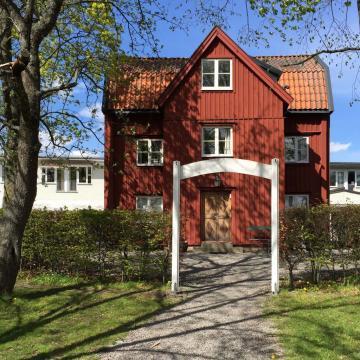 """L'historique """"Red Cottage"""" de la Villa Källhagen © Yonder.fr"""