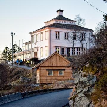 Le restaurant Fløien Folkerestaurant a été inauguré en 1925. Il est encore ouvert tous les jours © YONDER.fr
