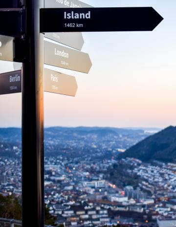 Vue sur tout Bergen depuis les hauteurs du mont Fløyen © YONDER.fr