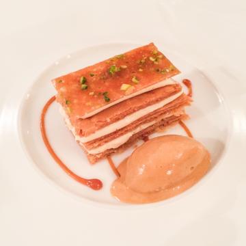 Le Millefeuille tradition Baumanière, pour achever en beauté un dîner exceptionnel | © Yonder.fr