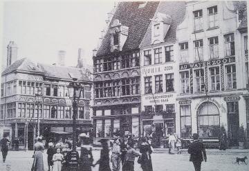 """La façade du restaurant """"Au Waterzooi"""" de Felix Dorny, dans son état avant 1913."""