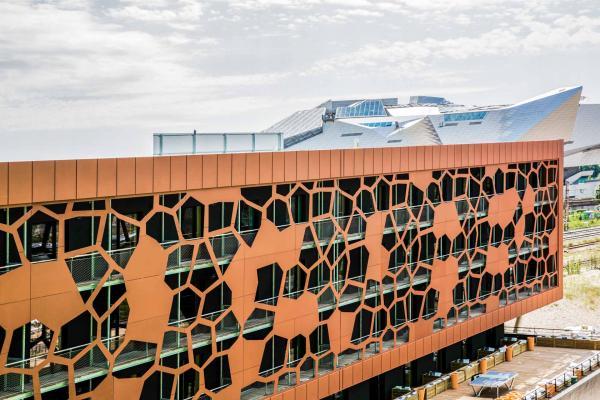 MOB Lyon Confluence - Façade © Aldo Parede