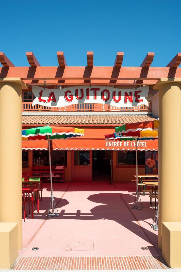 La Guitoune - Entrée de l'hôtel