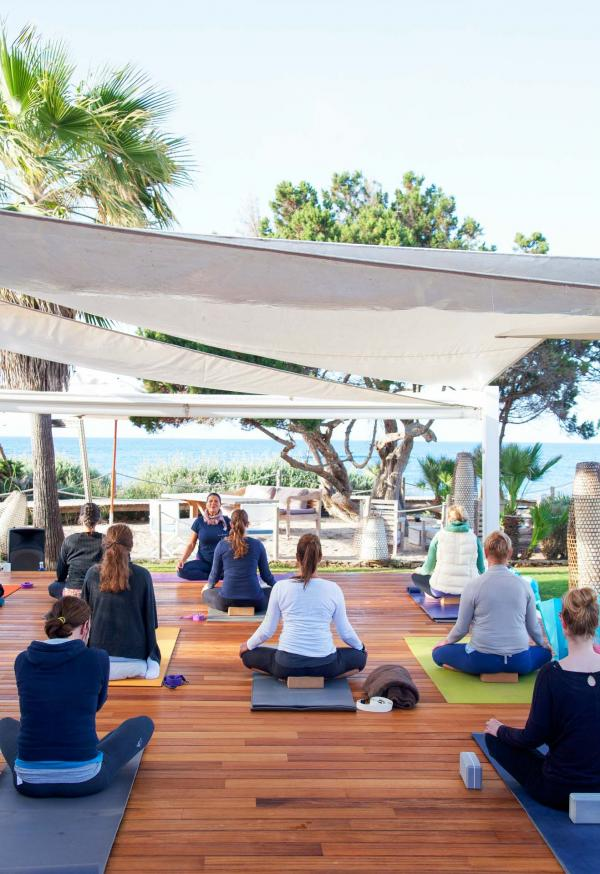 Gecko Hotel & Beach Club - Cours de yoga au lever de soleil