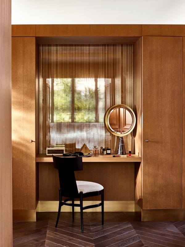 Le Meurice Paris - Suite Belle Étoile - Chambre - Dressing © DR