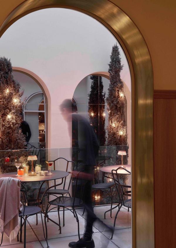 Hôtel 9Confidentiel - Patio extérieur
