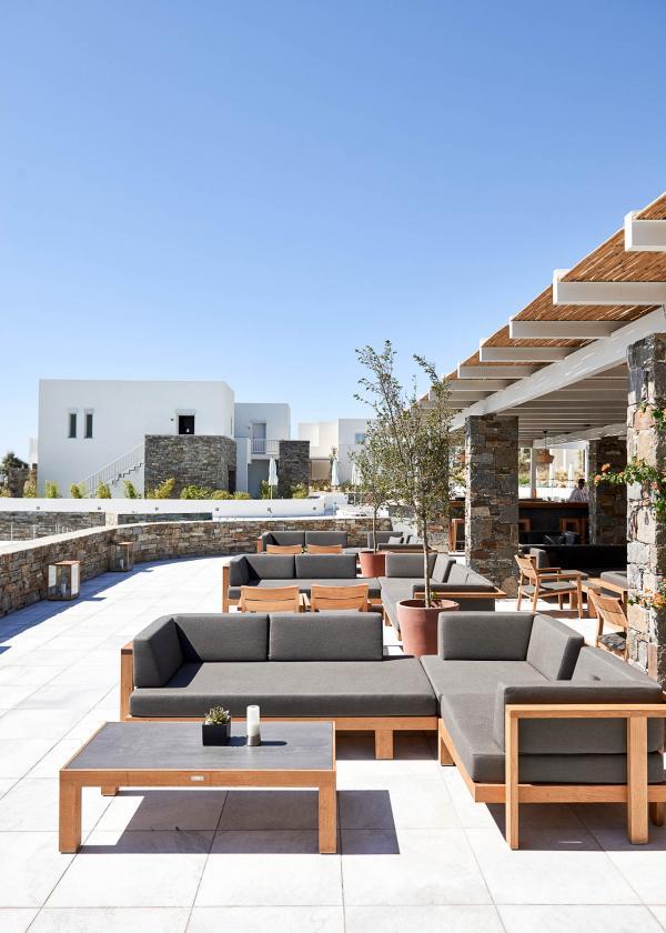 Irida Lounge — Summer Senses.