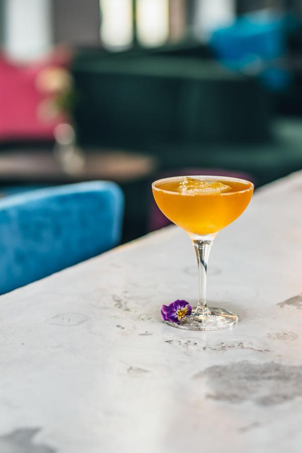 Le bar Green Room au rez-de-chaussée sert une sélection de cocktails inspirés de l'East End londonien.