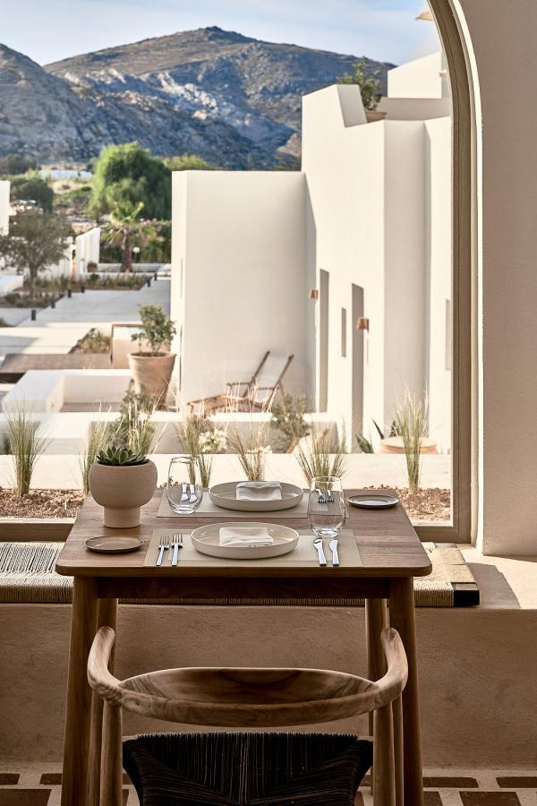Parilio Hotel Paros - Terrasse du restaurant Mr. E © DR