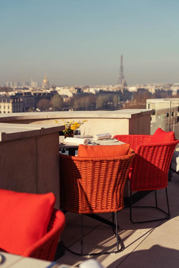 Cheval Blanc Paris   Vues depuis la terrasse du Tout-Paris © Alexandre Tabaste