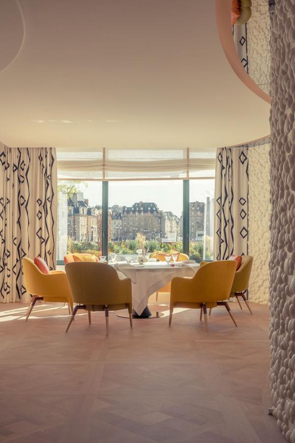 Cheval Blanc Paris   Le restaurant gastronomique Plénitude © Alexandre Tabaste