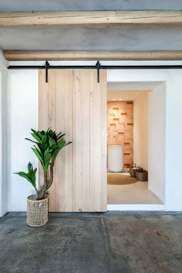 Quatre catégories de chambres sont proposées, les suites junior, suites et superior suites ainsi que les villas.