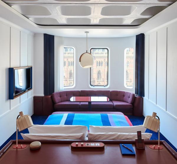 De la Cosy Core à la suite avec bain sur la terrasse, 11 catégories de chambres proposées.