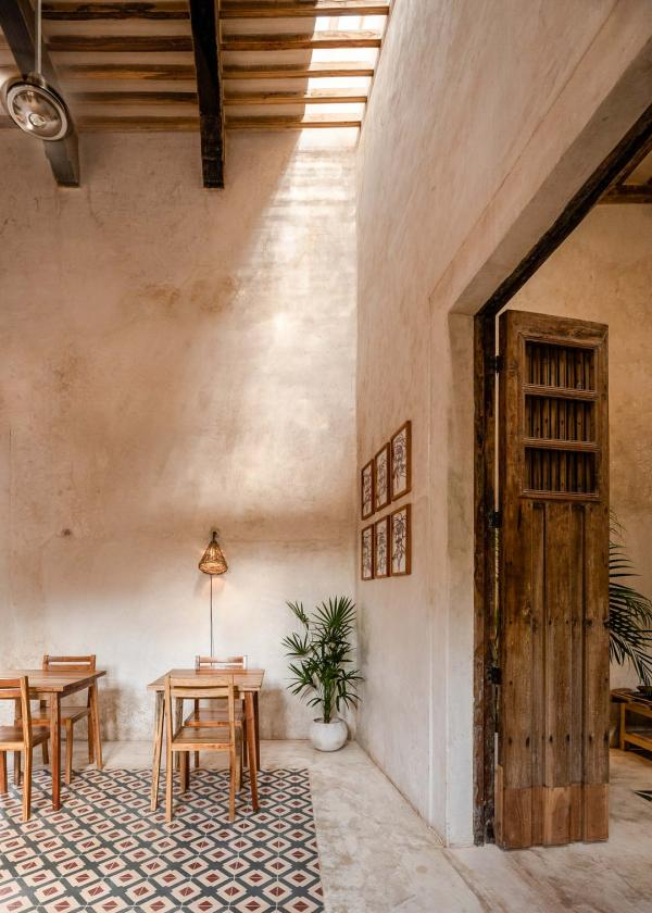 Casona Los Cedros — restaurant © Laura Casanova