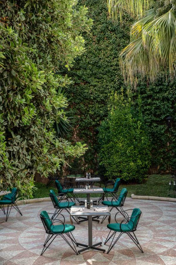 La pierre permet aux pièces et au jardin de garder la fraicheur pendant l'été torride.
